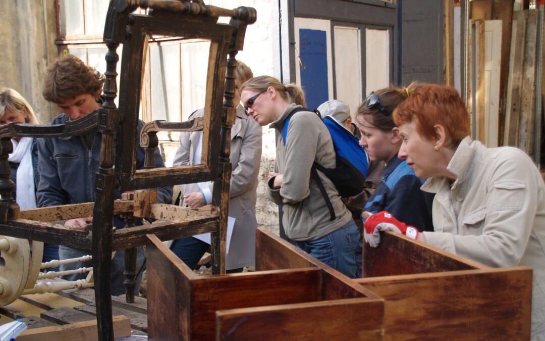 """Koolitus 4. aprillil """"Mööbli restaureerimine ja korrastamine vana tooli ja laua näitel"""""""