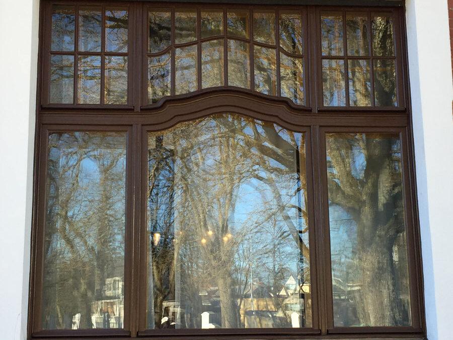 Allbäck linaõlivärv Villa Ammende akendel